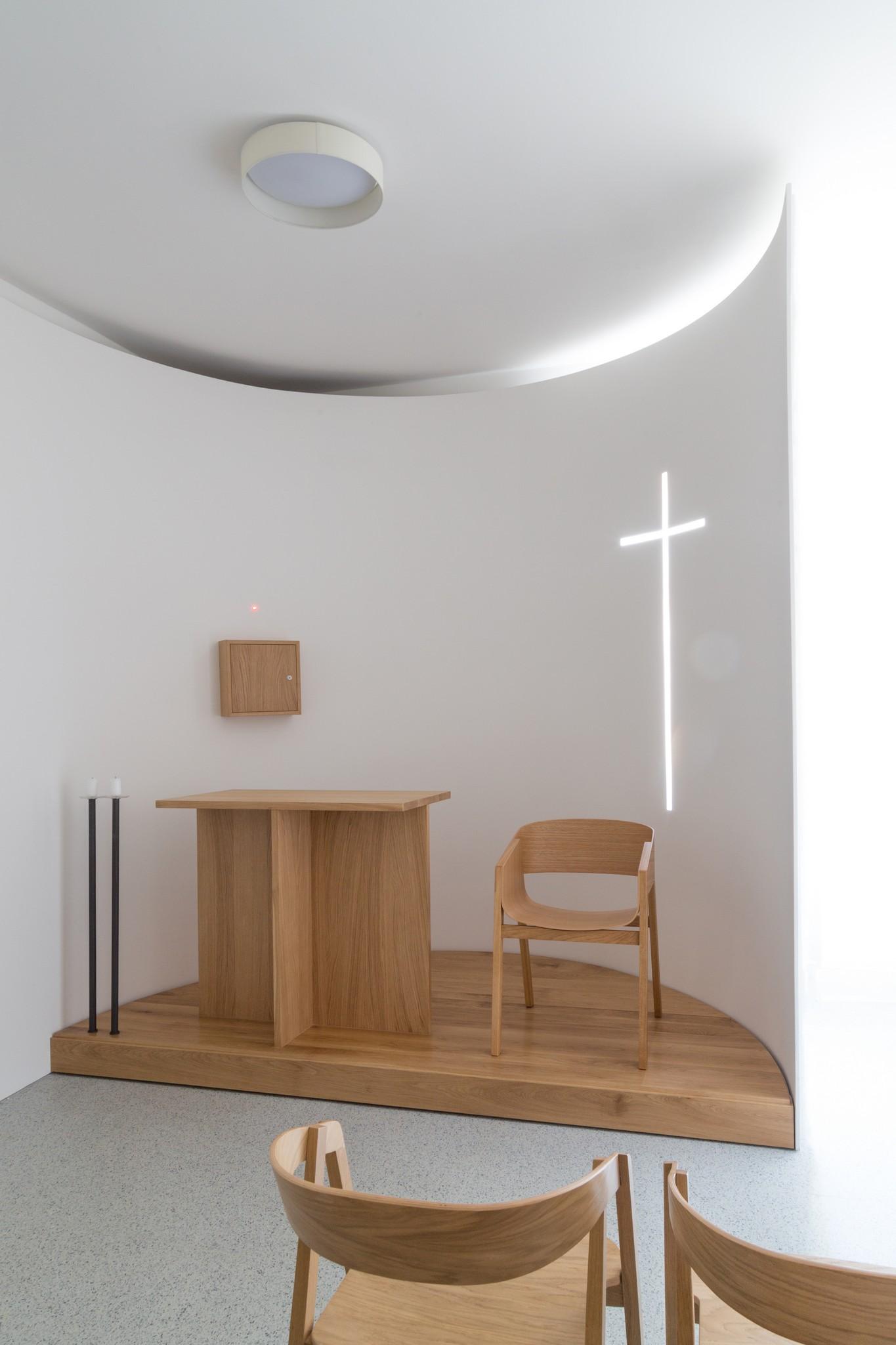 Adaptace nemocničního pokoje na kapli